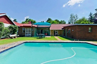 Johannesburg: Two-Night Weekend or Weekday Stay for Two Including Breakfast at Golden Gate Guest House