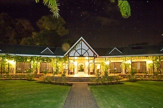 Oudtshoorn: Two or Three-Night Stay for Two Including Breakfast at Hlangana Lodge