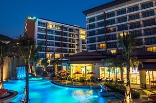 ✈ Thailand: Seven-Night Stay Per Person Sharing Including Flights and Breakfast at The Beach Heights Resort