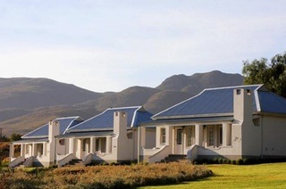 Oudtshoorn: Two-Night Weekend or Weekday Stay for Two Including Breakfast at Swartberg Country Manor