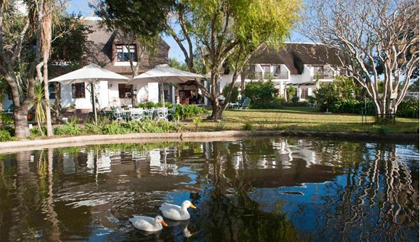 Luxurious 2 Night Getaway for 2 People, including Breakfast, a Winelands Platter and Bonus Spa Vouchers at the 5-star WedgeView Country House & Spa!