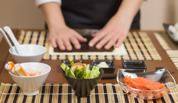 Exclusive Couples Experience at Fugu Restaurant – 2 Hour Sushi Making Lesson, a Bottle of Wine and over 40 Pieces of Sushi for 2 People.