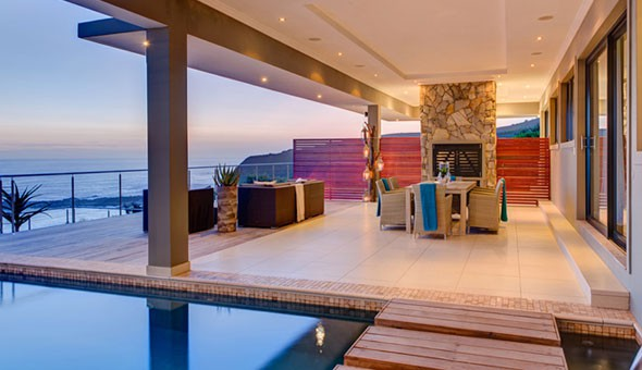 Pezula Golf Estate: A Luxury 2 Night Getaway for 2 People in an Ocean View or Pool View Room, including Breakfast, and Welcome Drinks & Canapés at the luxurious Retreat on Cliff!