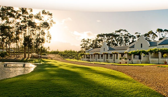 Escape to the luxurious Morgansvlei Country Estate for a Romantic Getaway for 2 People, including Breakfast and a Snack Board with Wine for only R899!