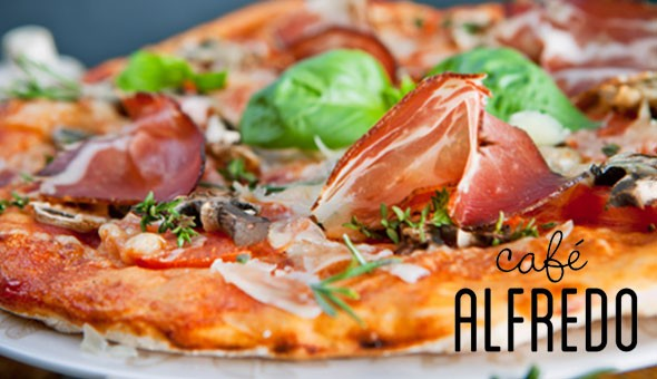 V&A Waterfront: Choice of Gourmet Pizzas or Pastas for 2 People or an Exclusive 2-Course Dining Experience for 4 People at Café Alfredo!
