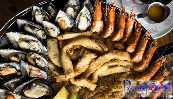 Back by Popular Demand! A Seafood Platter for 2 People at the legendary Panama Jacks – Now located at Cape Town Cruise Terminal!