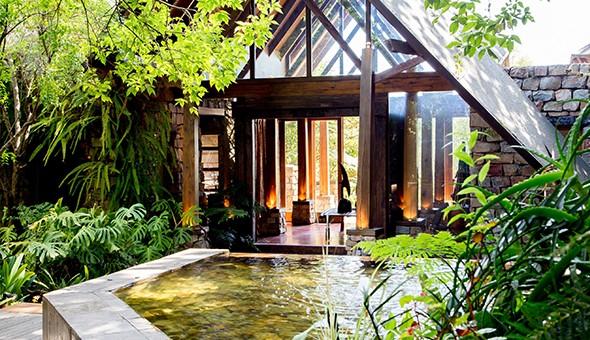 Magical Plett: A Luxury Stay for 2 at Tsala Tree House!