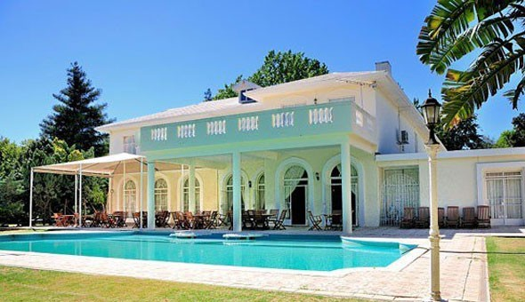 Merwida Country Lodge: A 1 Night Weekday Stay for 2 People, including Breakfast at only R499!