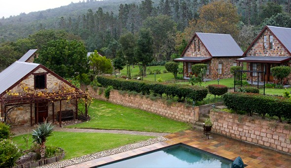 A 2 Night Weekend Getaway for 2 People in a Country Cottage, including Breakfast and a Couples Nature Drive or Horse Riding Experience at Swartvlei Equestrian Estate!