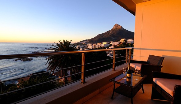 Spoil her with a Romantic Getaway for 2 in a Luxury Sea View Suite, including Breakfast at Beta Beach Guest House, Bakoven!