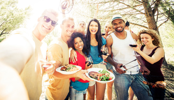 Summer Vibes & a Braai Feast at Knorhoek Estate! Includes: Live Music, Build Your Own Meat Platter and Salads & Sides Buffet for up to 6 People!