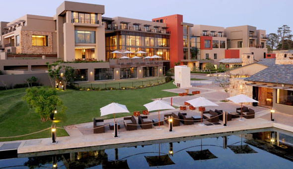 Oubaai Hotel Golf & Spa: Luxury Getaway for 2 People, including Breakfast Buffet and Dinner & Spa Discounts!