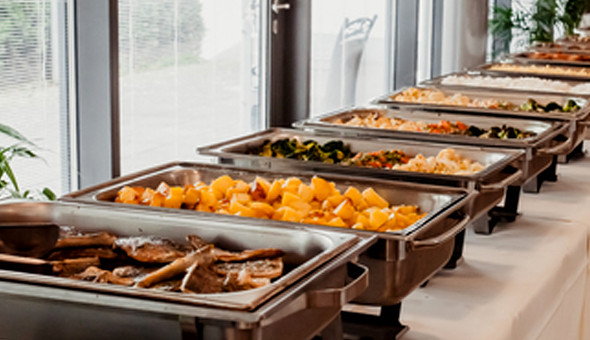 Sunday Lunch Buffet for 2 People at Knorhoek Estate! Dine on the likes of; Seafood Starter, Roast Beef Sirloin, Slow Pit Roasted Pork, Gourmet Cheese Board, Decadent Chocolate Desserts & More!