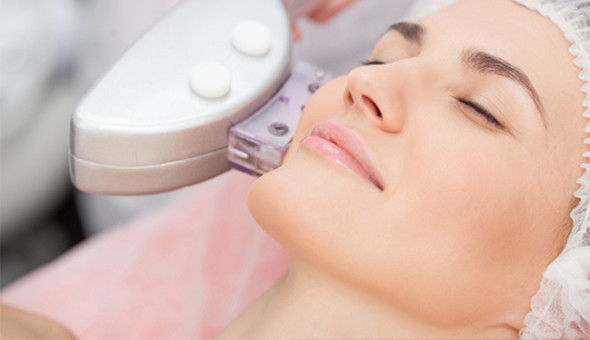 Fractional Laser Treatments reduces Wrinkles, Age Spots, Fine Lines & Uneven Skin Tone. 1 x Fractional Laser Session at only R699 (Value: R5000)!
