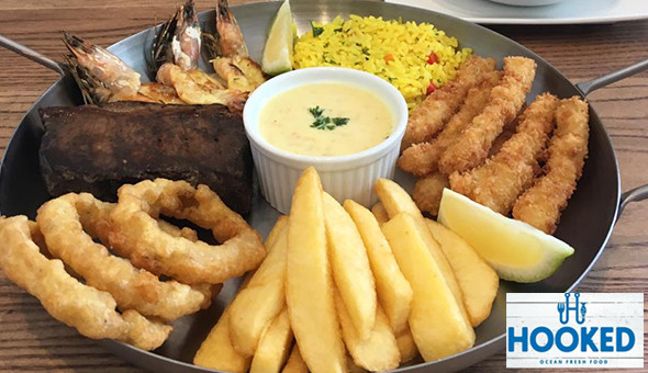 THIS MIGHT BE TO BIG TO EAT! The Surf & Turf Mega Platter (200g Sirloin Steak, Prawns, Calamari, Chips, Onion Rings, Rice & Garlic Sauce) and a Dessert for 1 Person at Hooked, Plumstead!