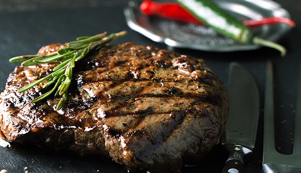 300g Steaks with Sides, Sauce and Wine for 2 People at The Cape Diamond Hotel!