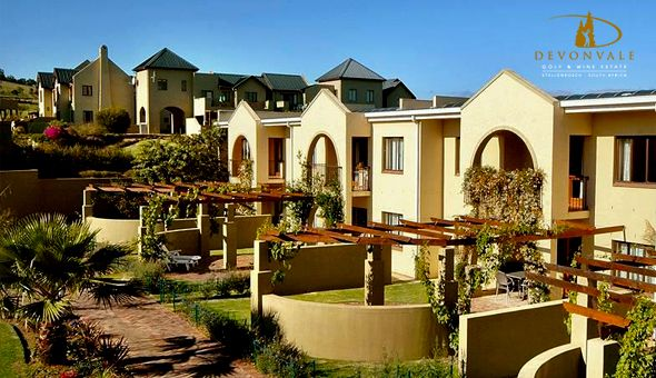 A Luxury Getaway for 2 People, including Breakfast, a Bottle of Devonvale Shiraz & a Dining Voucher at the 4-Star Devonvale Golf & Wine Estate!