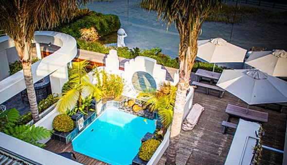 Knysna Lagoon: A 2 Night Stay for 2 People at On The Estuary!
