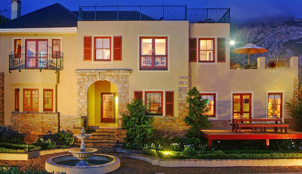 Award-Winning Luxury: A 2 Night Stay for 2 People, including Breakfast at Lavender Manor Guest Lodge, Hermanus!