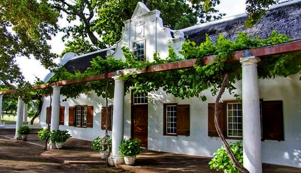 Stay, Spa, Spoil & Relax in Franschhoek! The Couples Spa Retreat includes: a Luxury Stay, Couples Spa Package, Relax Session in the Jacuzzi and a Cheese Platter & Bottle of Allee Bleue Wine!