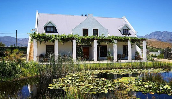 Franschhoek: A 2 Night Stay for 2 People in a Luxury Self-Catering Cottage at Chevandeaux!
