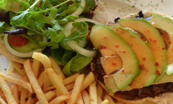 Pay R100 and get a R200 voucher for Sauls Taverna in Sea Point. Any meal ... anytime!