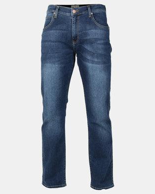 Wrangler Greensboro Tapered Stretch Jeans