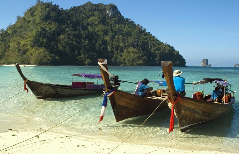 Thailand - Island Hopping : 4 Star ex Johannesburg : Let's Explore! Return flights from Johannesburg to Phuket. Approximate taxes. All transfers. 3 nights' accommodation in Phuket at the 4-star KEE Resort & Spa in a Deluxe Room. Phuket Island Tour. 2 nights' accommodation in Phi Phi at the 4-star Ph