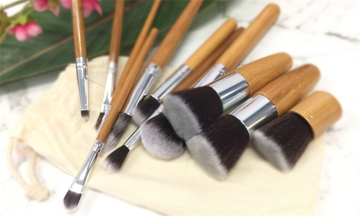 11pc Makeup Brush Set For R229 Incl Delivery