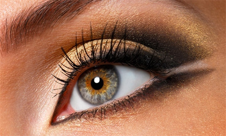 Permanent Eyeliner from R490 at French Clinic