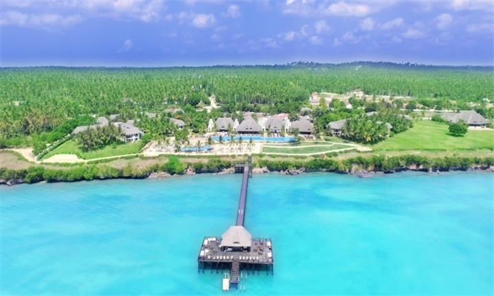 5-Star Honeymoon in Zanzibar: Four-Night Stay Per Couple Including Flights at Sea Cliff Resort & Spa