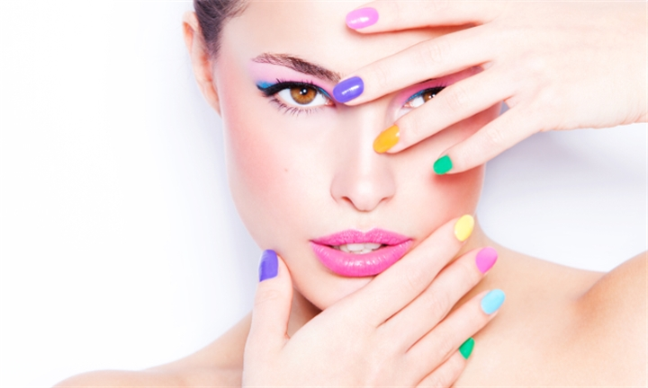 R199 for Gel or Acrylic Overlays for Hands and Feet with Nail Art for One Person