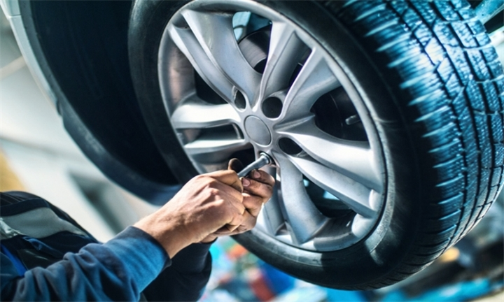 3D Wheel Alignment from R99 for One Car with Optional Treatments at Supa Quick Randburg