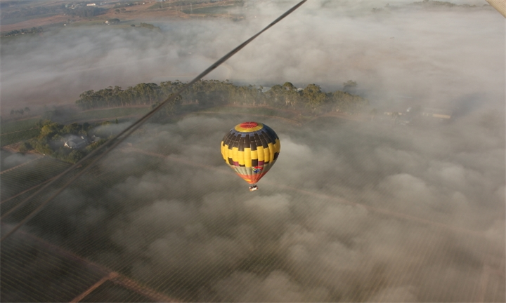 Hot Air Balloon Flight with Breakfast and Sparkling Wine for R1950 per person with Life Ballooning
