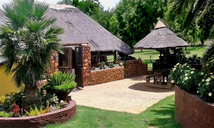 Gauteng: Two-Night Weekend or Weekday Self-Catering Stay for Two from R599 at Bushveld Rose