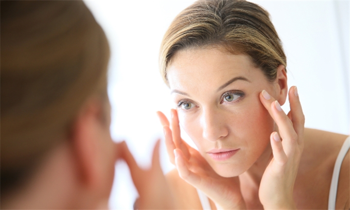 Anti-ageing Treatment with Gentle Peeling Including Facial Massage for R299 at Beauty Haven