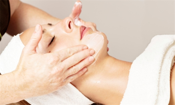 Choice of Facials from R288 at Absolutely Gorgeous Beautique