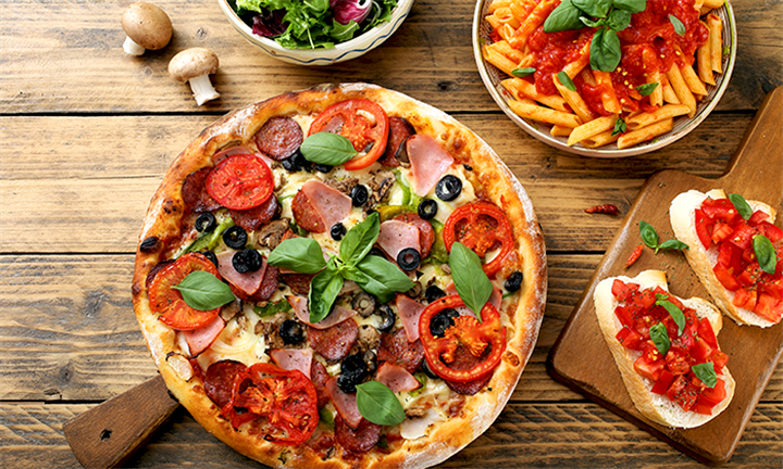 Choice of a Pizza or Pasta from R139 for Two at Plantation Café