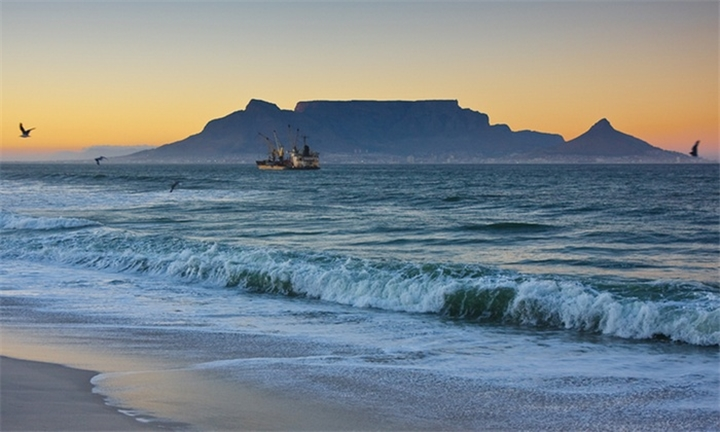 Blouberg: Two-Night Stay for Two at Baywatch House for R1049