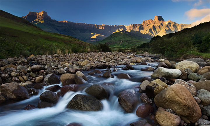 Drakensberg: Two-Night Stay in a Four to Six Person Self-Catering Chalet for R4505 with African Wild Travel