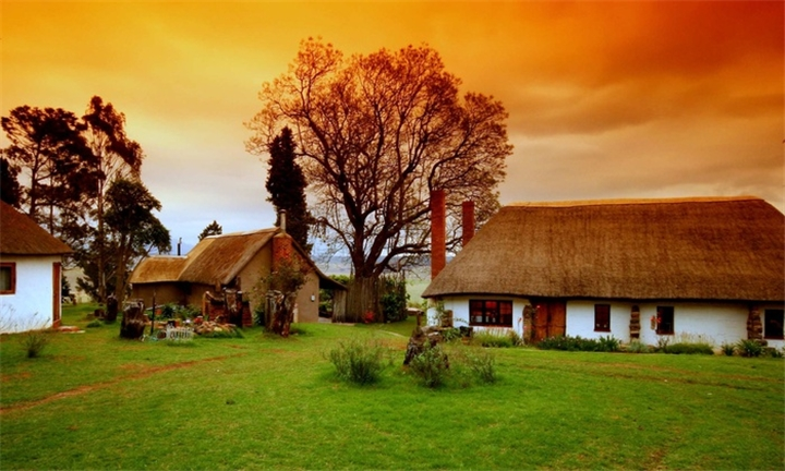 Drakensberg: One to Three-Night Stay for Two Including Meals from R1650 at Antbear Drakensberg Lodge