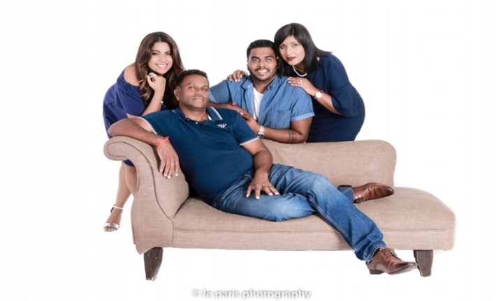 60-Minute Weekday Photoshoot with 10 Edited Photos on Disc for R99 for Up to Four People at Le Paris Photography Studio