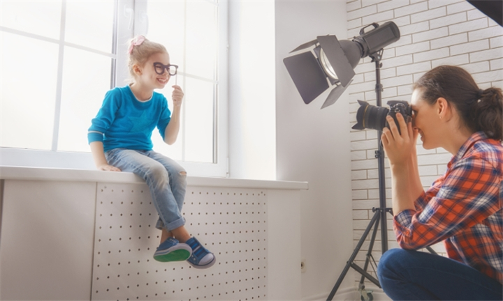 60-Minutes Location or Studio Shoot with Unlimited Images on Disc with Tez Taljaard Photography for R299