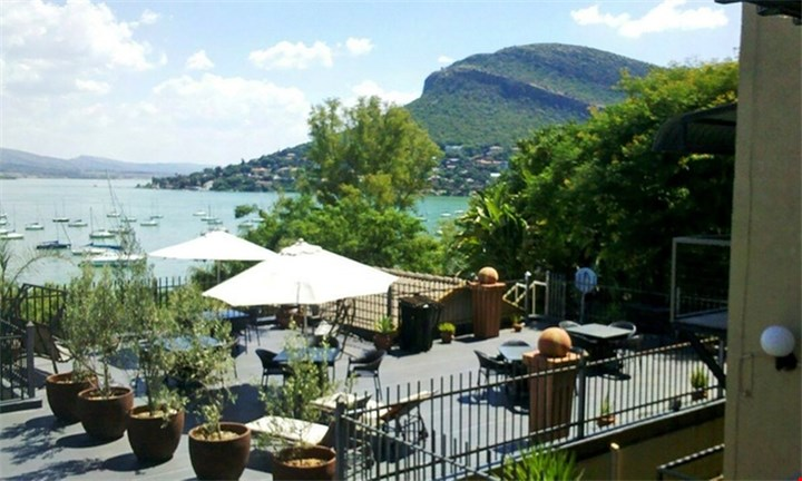 Hartbeespoort: R755 for Two-Night Weekday Stay for Up to Four at Damview Holiday Apartments