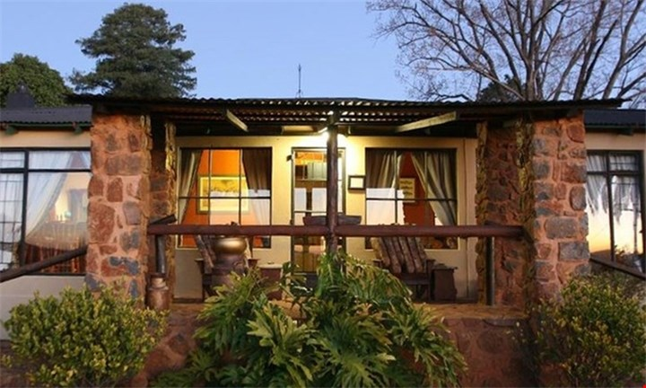 Mpumalanga: Two-Night Weekend or Weekday Self-Catering Stay for Two at Lomas Creek Lodges for R899