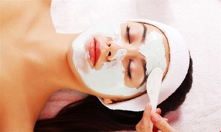 Deep Cleanse Facial from R170 with Optional Massages at The Soma Clinic