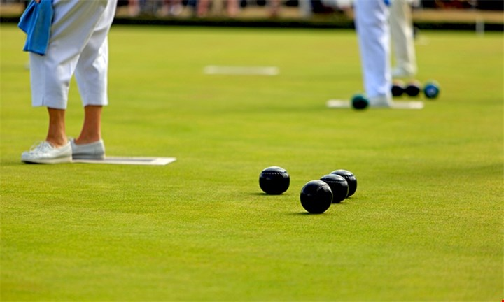 Group Garden Bowling and a Choice of Beer for groups of 4/8/12 at Gardens Bowling Club