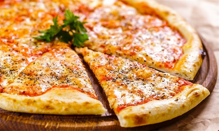 Choice of Pizza for 2 people R109 @ Seat Restaurant at Eden On The Bay