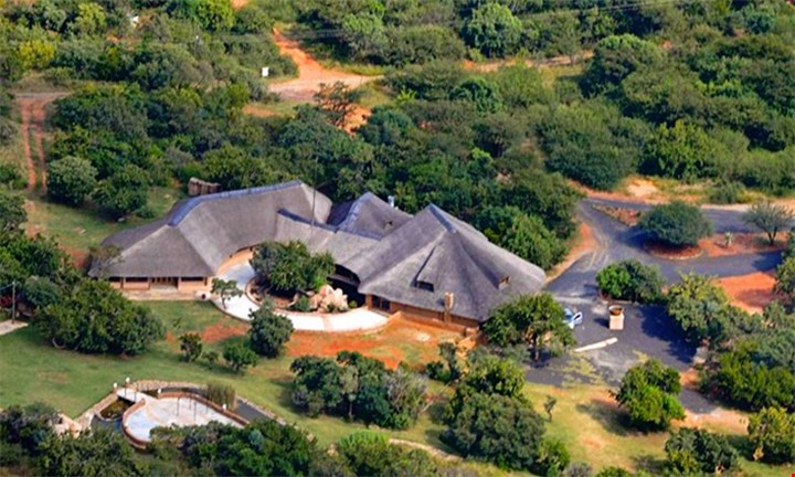 Hartbeespoort: Two to Four Night Romantic and Family getaway packages