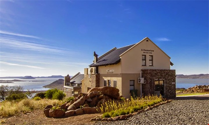 Gariep Dam: A Luxurious Mid-Weeks Stay at A'Damsview